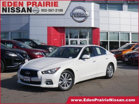 Pre-Owned 2016 INFINITI Q50 3.0t Premium With Navigation